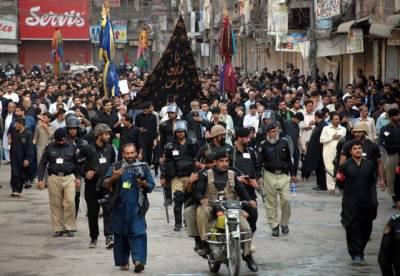 محرم الحرام پر سخت سیکیورٹی انتظامات، ڈبل سواری اور موبائل فون سروس بند