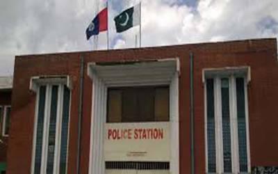 تھانوں میں تشدد کی فوٹیجز لیک ہونے کے بعد راولپنڈی پولیس نے موبائل فون پر پابندی لگادی۔