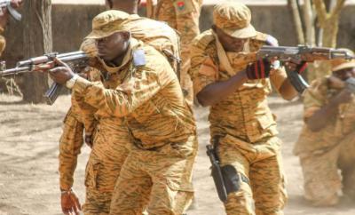 نائیجیریا کے شمال مشرقی حصے میں ایک فوجی اڈے پرداعش کے جنگجوئوں کے حملے میں 9فوجی ہلاک ہوگئے ہیں