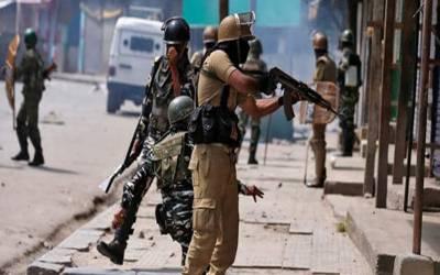مقبوضہ کشمیر میں کرفیو کا 39واں روز، بھارتی فوج گھروں سے باہر نکلنے والے نہتے کشمیریوں پر گولیاں برسانے لگی۔