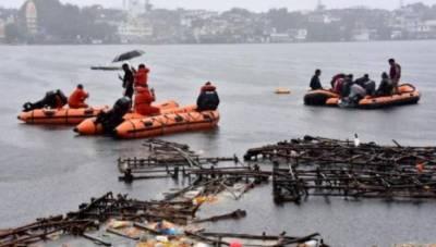 بھارت: کشتی ڈوبنے کے نتیجے میں 11 افراد ہلاک