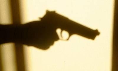 کراچی:گھر کے مالک کی فائرنگ،2 ڈاکوہلاک،2فرار