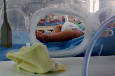 دبئی: اسپتال کا بل کی ادائیگی کے بغیر والدین کو بچہ واپس کرنے سے انکار