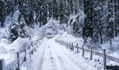 سکردو کے سیاحتی مقام پر سیزن کی پہلی برفباری