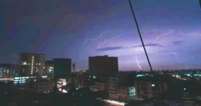 کراچی شہر کے مختلف علاقوں میں گرج چمک کے ساتھ بارش،سلسلہ اتوار تک جاری رہے گا۔