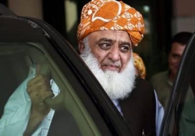 ہماری جنگ حکومت کے خاتمے پر ہی اب ختم ہوگی، اس کا میدان پورا ملک ہوگا۔مولانا فضل الرحمان