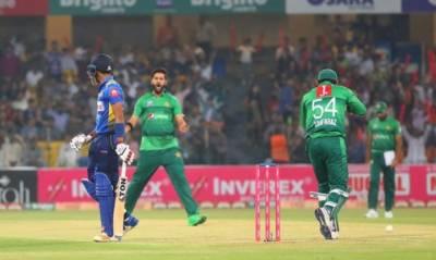 تیسرا ٹی20: سری لنکا کی پاکستان کے خلاف بیٹنگ جاری
