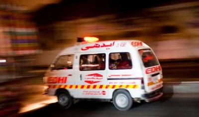 کراچی: ٹرالر اور کار میں تصادم، 2 افراد جاں بحق