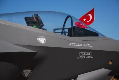 نیدرلینڈز نے ترکی کو ہتھیاروں کی نئی کھیپ کی برآمد معطل کر دی