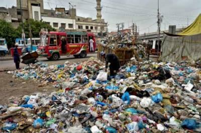 سندھ سرکار کی صفائی مہم، ضلع کورنگی اور شرقی سے کچرے اور ملبہ کے ڈھیر ختم نہ ہو سکے