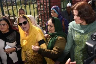 سری نگر احتجاج: فاروق عبداللہ کی بہن اوربیٹی سمیت سینکڑوں خواتین گرفتار