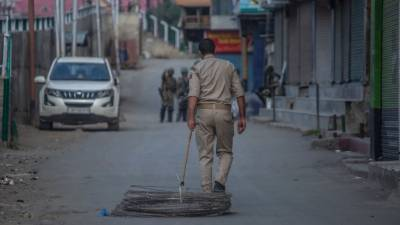 مقبوضہ کشمیر میں بھارتی محاصرہ اور ذرائع ابلاغ کی معطلی برقرار