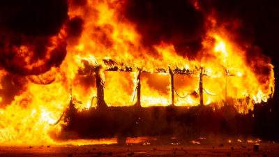 چلی:احتجاجی مظاہروں کے دوران گارمنٹس فیکٹری میں آتشزدگی،5 افرادہلاک