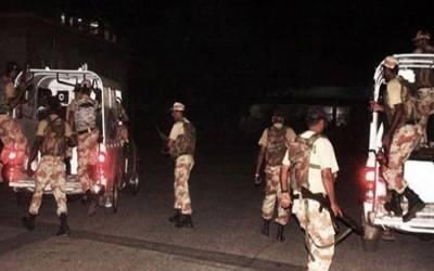 کراچی کےمختلف علاقوں میں رینجرز کی کارروائی، 10 ملزمان گرفتار