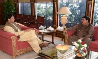 وزیراعظم عمران خان سے وفاقی وزیر ریلوے شیخ رشید کی ملاقات، ملک کی موجودہ سیاسی صورتحال پرتبادلہ خیال کیا گیا