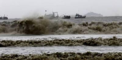 طوفان کیار نے پاکستان کی ساحلی پٹی پر اثرات دکھانے شروع کردئیے۔