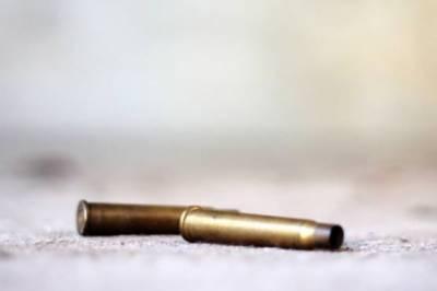 کندھ کو ٹ:پرانی دشمنی پر دو گروپوں میں فائرنگ،لڑکی سمیت 3 قتل