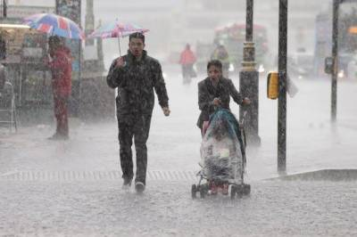 شدید بارشوں نے مانچسٹر کو اپنی لپیٹ میں لے لیا۔