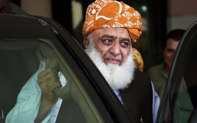مولانا فضل الرحمان کا شاہراہیں بند کرنے کا فیصلہ، پیپلزپارٹی اور ن لیگ نے منہ موڑ لیا