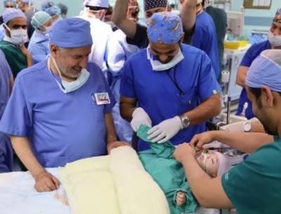 سعودی عرب میں لیبیا کےدو شیر خوار بچوں کو کامیاب آپریشن میں الگ کردیا گیا۔