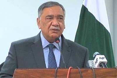 طاقتوروں کا طعنہ ہمیں نہ دیں ہمارے سامنے کوئی طاقتور نہیں۔ چیف جسٹس پاکستان جسٹس