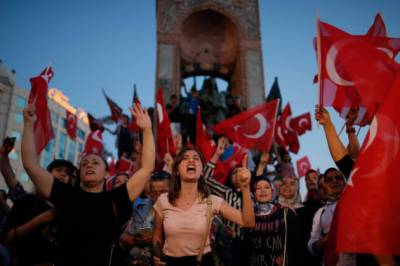 ترک صدر کے سیاسی مخالفین کے خلاف تازہ کریک ڈائون، سینیر افسران سمیت 168 افراد گرفتار