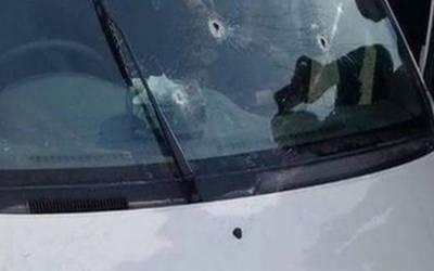 کار پر فائرنگ: باپ بیٹے سمیت 4 افراد قتل