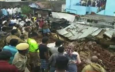 بھارتی ریاست میں بارشوں اور گھر گرنے کے باعث 15 افراد ہلاک ' متعدد بے گھر