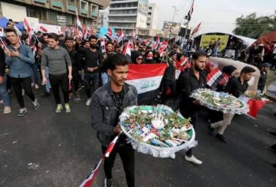 عراقی وزیراعظم کا استعفیٰ منظور، مظاہرین کا نئے انتخابات کا مطالبہ