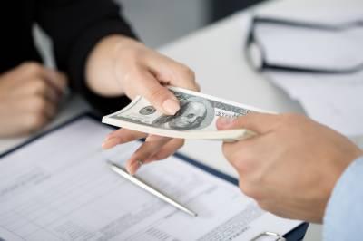 حکومت نے نوازشریف کے دور میں لیا گیا بڑا قرضہ ادا کردیا