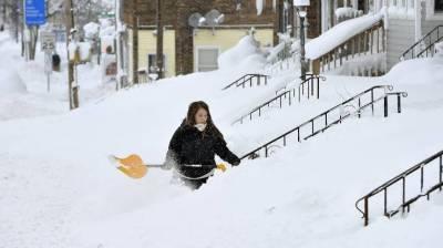 امریکا میں 22 انچ تک برفباری سے ریکارڈ ٹوٹ گیا