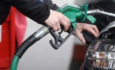 ایک سال میں 17 مرتبہ تیل کی قیمتوں کو تبدیل کیا گیا