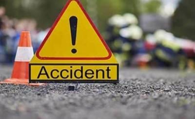 جہلم:خوفناک ٹریفک حادثہ، 4 افراد جاں بحق,9زخمی