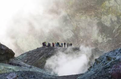 نیوزی لینڈ: آتش فشاں کا دھماکہ: چھ لاشیں برآمد، ہلاکتوں کی تعداد 22