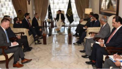 وزیراعظم اور امریکی سینیٹر کا پاک امریکہ دو طرفہ تعلقات پر تبادلہ خیال