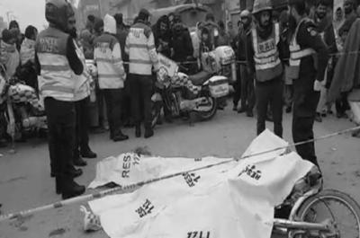 گوجرانوالہ: حافظ آباد روڈ پر ڈمپر کی موٹرسائیکل کو ٹکر، 3 نوجوان جاں بحق