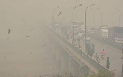 ماحولیاتی آلودگی اورسموگ سے متعلق کیس:لاہور ہائیکورٹ کاسیکرٹری ماحولیات سے جواب طلب