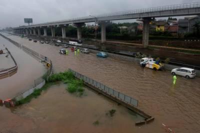 انڈو نیشیا: سیلاب میں ہلاکتوں کی تعداد بڑھ کر 53ہوگئی