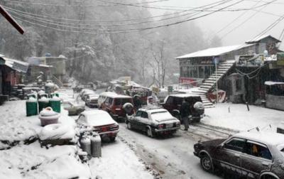 ملک کے بیشتر حصوں میں بارش اور پہاڑوں پر برفباری کا امکان، محکمہ موسمیات