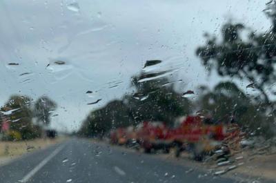 لاہور، گوجرانوالہ، فیصل آباد سمیت کئی شہروں میں بارش، سردی کی شدت میں اضافہ