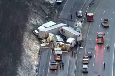 پنسلوانیا ہائی وے پر متعدد گاڑیاں ٹکرانے سے 5 افراد ہلاک، 60 زخمی