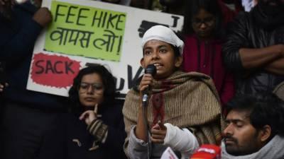 ہندو انتہا پسندوں کے ہاتھوں تشدد کا شکار ہونے والے طلبا کے خلاف ہی بھارتی پولیس نے مقدمہ درج کرلیا۔