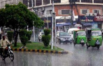 لاہور، فیصل آباد سمیت پنجاب کے مختلف علاقوں میں بارش، سردی کی شدت میں اضافہ
