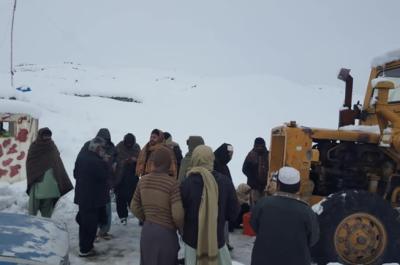بلوچستان میں شدید برف باری، کان مہترزئی میں پھنسے تمام مسافر بچا لیے گئے
