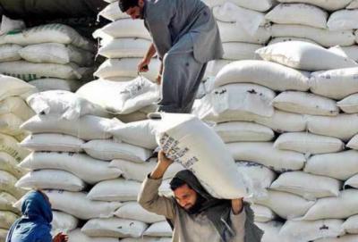 لاہور: آٹے کی قیمت 64سے بڑھ کر70روپے فی کلوہوگئی