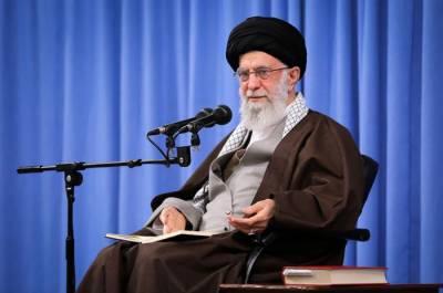 امریکہ ایران کو نہیں جھکا سکا یورپی بھی یہ بات جان لیں:ایرانی سپریم لیڈر