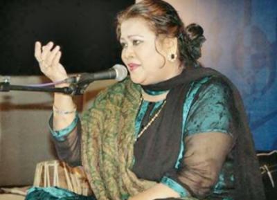وہ پاکستانی گلوکارہ جو علاج کے لیے امریکا پہنچنے سے قبل انتقال کرگئیں