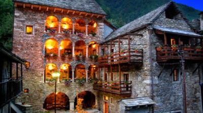 اٹلی میں ایک ایسا قصبہ ہے جہاں گھر کی مالیت صرف ایک یورو ہے، یعنی کوئی بھی شخص 150 روپے میں گھر کا مالک بن سکتا ہے۔
