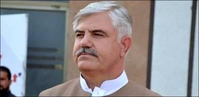 وزیر اعلیٰ کے پی محمودخان کے خلاف بھی آوازیں اٹھنے لگیں
