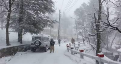 ملک کے چند علاقوں میں بارش اور پہاڑوں پر برفباری کا امکان